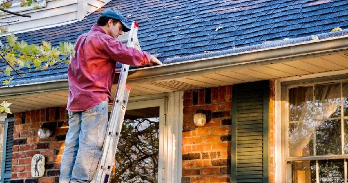 Comment réparer les fuites de mon toit ?